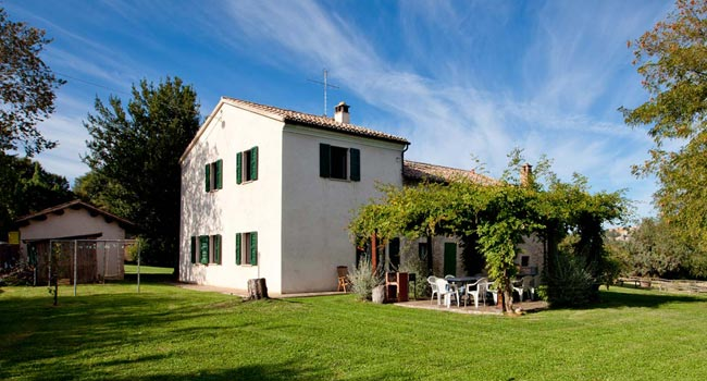 Farmhouse with Swimming Pool Le Marche Italy
